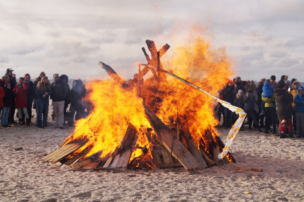 Osterfeuer Sylt Buhne 16