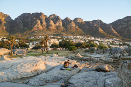 girls at sundowner time in front of table mountain