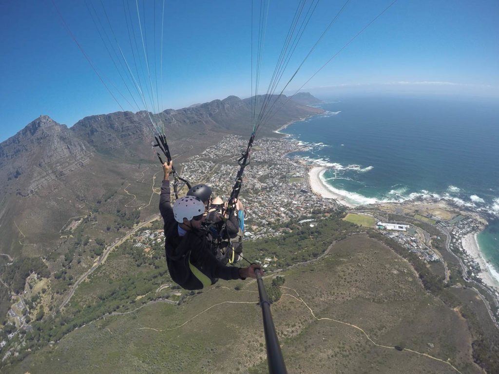 Paragliding over Campsbay in Capetwon