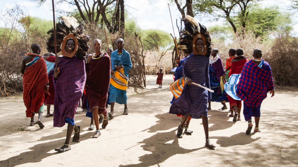Jambo Tansania: Massai traditional dance in Tanzania